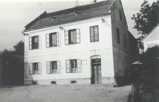 Šola, zgrajena leta 1864